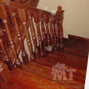Лестница на второй этаж 1