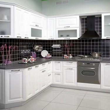Белый кухонный гарнитур 2